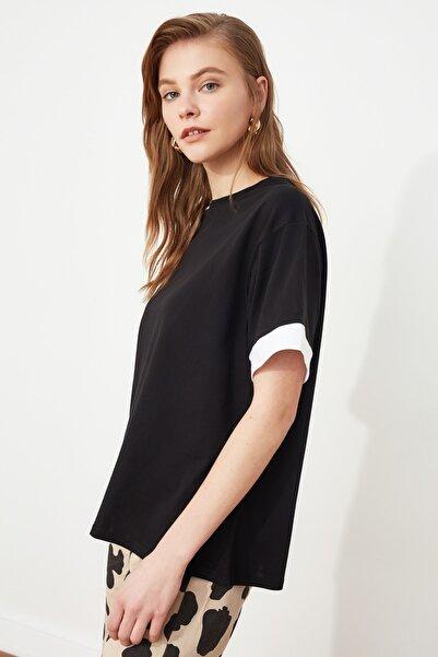 TRENDYOLMİLLA Siyah Şerit Detaylı Boyfriend Örme T-shirt TWOSS19AD0079