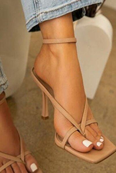 Kadın Nude Ten 10cm Topuklu Parmak Arası Tokalı Ayakkabı Sandalet Terlik