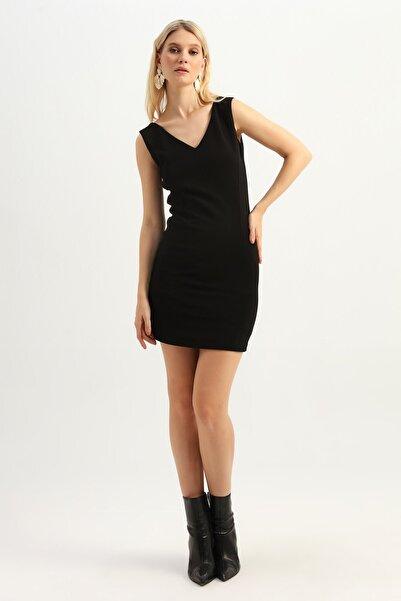 Quzu Kadın Siyah Arkası Fermuarlı V Yaka Elbise