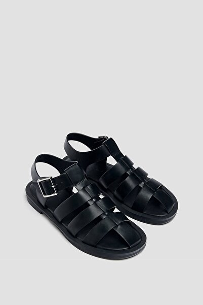 Pull & Bear Kadın Siyah Düz Bantlı Ve Tokalı Ayakkabı