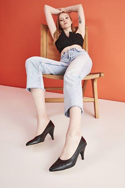 Hotiç Hakiki Deri Siyah Kadın Klasik Topuklu Ayakkabı 01AYH205080A100