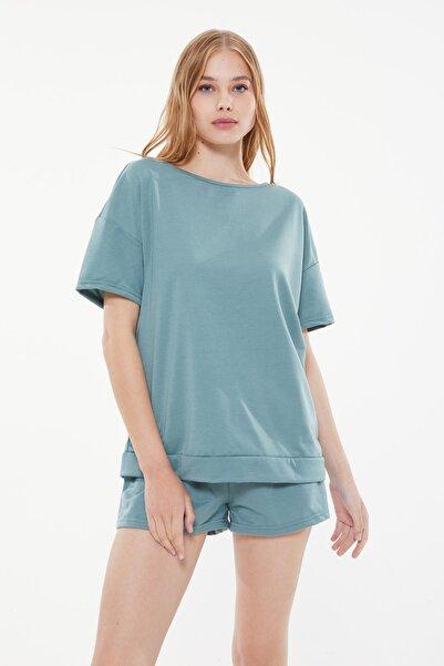 TRENDYOLMİLLA Mint Şerit Aksesuarlı Örme Pijama Takımı THMSS21PT1299