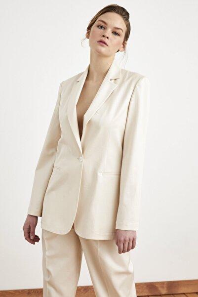 Love My Body Kadın Bej Mono Kapamalı Ceket