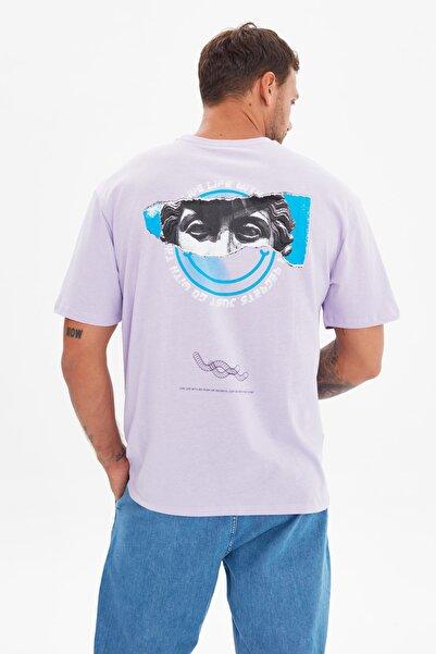 TRENDYOL MAN Lila Erkek Geniş Kesim Kısa Kollu Baskılı T-Shirt TMNSS21TS3668