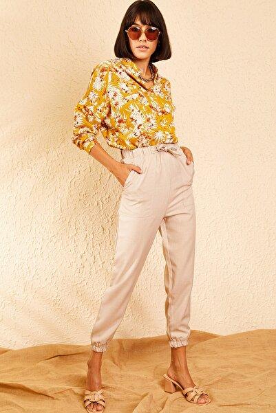 Bianco Lucci Kadın Bej Beli ve Paçası Lastikli Büyük Cep Detaylı Rahat Mevsimlik Pantolon 10111027