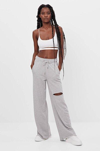 Bershka Kadın Gri Ispanyol Paça Penye Pantolon