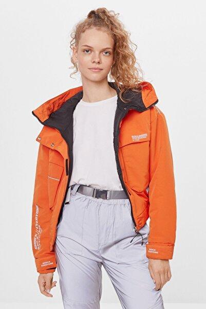 Bershka Kadın Turuncu Naylon Crop Ceket