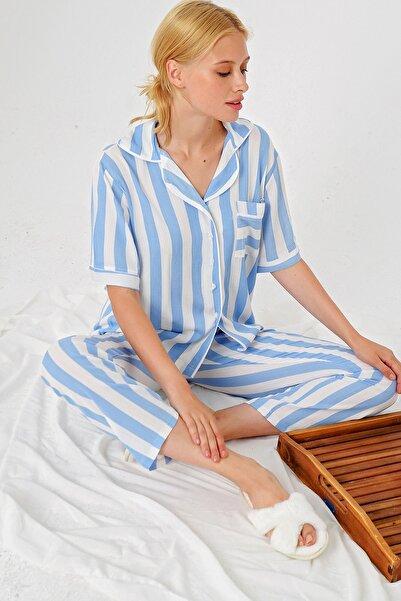 Trend Alaçatı Stili Kadın Mavi Çizgili Gömlek Yaka Pijama Takım ALC-X4801