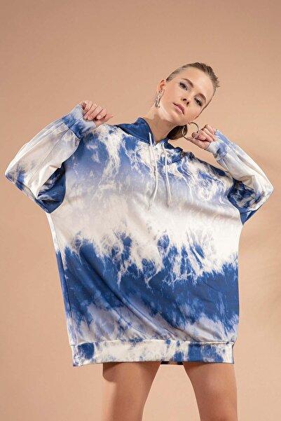 Y-London Kadın Beyaz Lacivert Baskılı Kapşonlu Sweatshirt Elbise P20W-4125-3