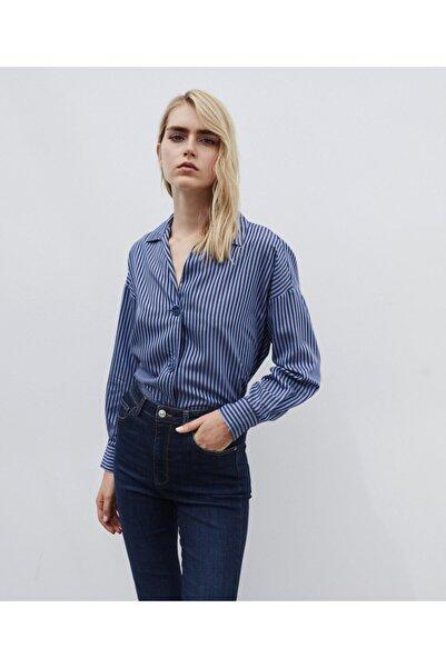İpekyol Kadın Mavi Çizgili Oversize Gömlek