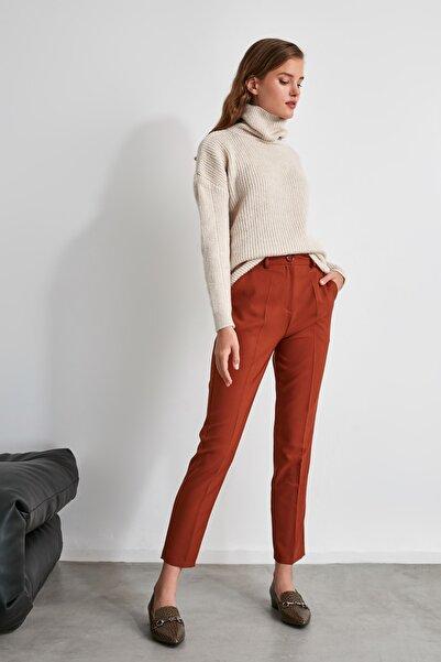 TRENDYOLMİLLA Kahverengi Basic Pantolon TWOSS19ST0038