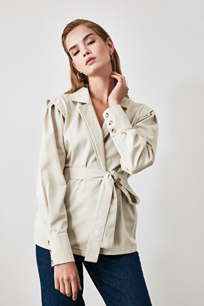 TRENDYOLMİLLA Taş Kuşaklı Blazer Ceket TWOAW21CE0201