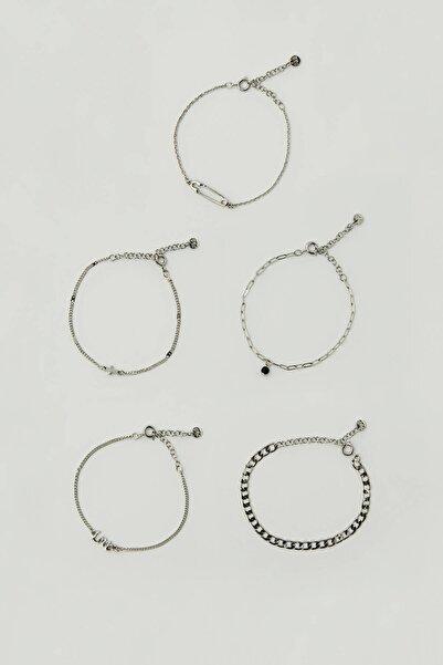 Pull & Bear Kadın Gümüş Sembollü Ve Çengelli İğne Detaylı Bileklik Seti 09996337