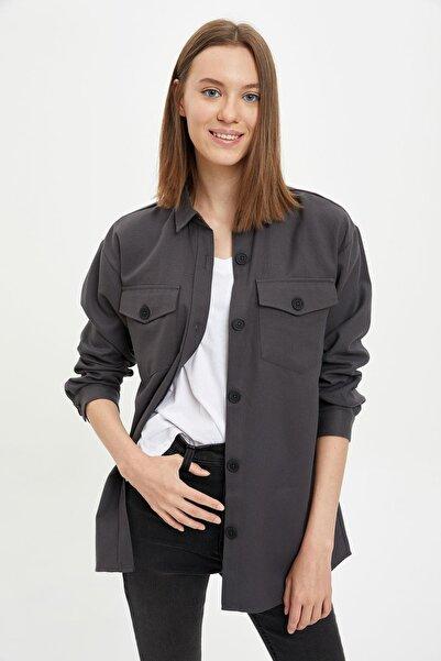 DeFacto Kadın Anthra Oversize Cep Detaylı Gömlek S7246AZ20AU