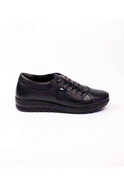 Polaris Kadın Siyah Deri 5 Noktalı Ortapedik Mevsimlik Ayakkabı