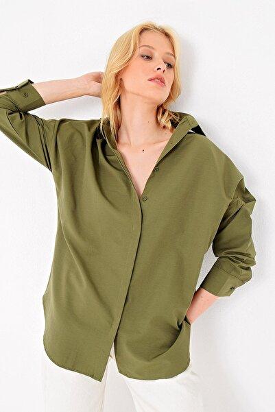 Trend Alaçatı Stili Kadın Haki Gizli Patlı Oversıze Poplın Dokuma Gömlek ALC-X4748