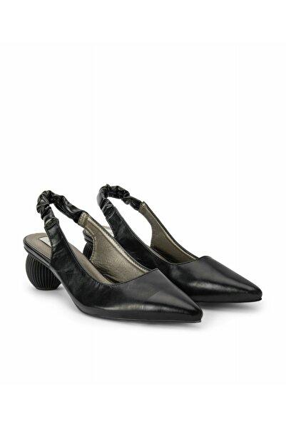 İpekyol Kadın Siyah Topuk Detaylı Ayakkabı
