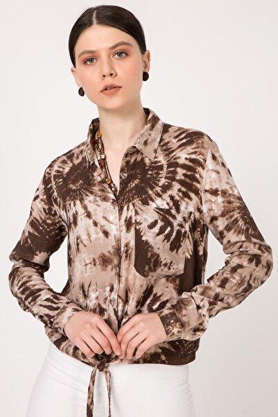 Zafoni Kadın Kahverengi Batik Desen Bel Bağlamalı Gömlek