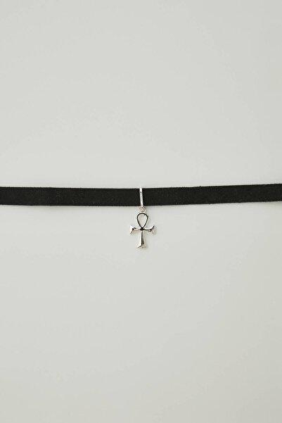 Pull & Bear Kadın Gümüş Velvet Cross Choker Necklace 09996355