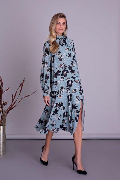 GIZIA CASUAL Kadın Mavi Desenli Fular Detaylı Yırtmaçlı Midi Elbise