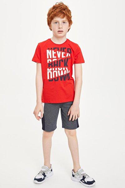 Kırmızı Erkek Çocuk  Slogan Baskılı Kısa Kollu T-Shirt