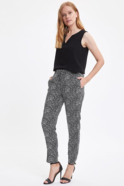 Kadın Siyah Bağcık Detaylı Desenli Pantolon I3709AZ.20SM.BK32