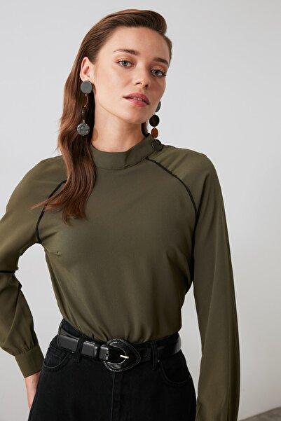 TRENDYOLMİLLA Haki Basic Bluz TWOAW21BZ0366