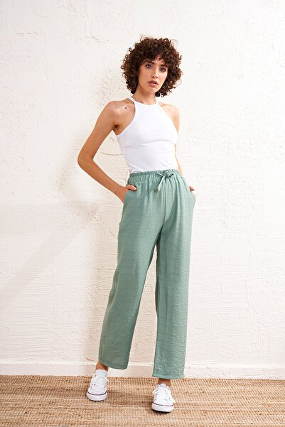 Eka Kadın Çağla Lastikli Kemerli Pantolon