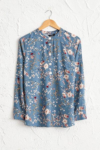 LC Waikiki Kadın İndigo Baskılı Bluz 0SQ906Z8