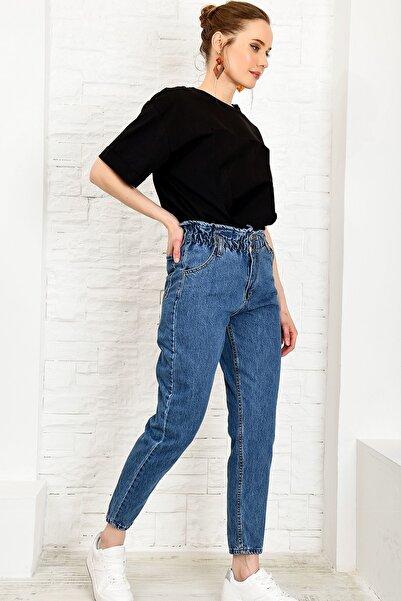 Trend Alaçatı Stili Kadın Mavi Beli Büzgülü Düğme Detaylı Slouchy Jean ALC-X4876