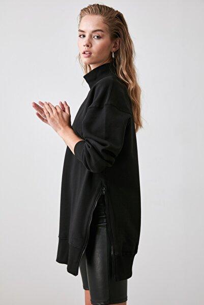 TRENDYOLMİLLA Siyah Fermuar Detaylı Oversize Örme Sweatshirt TWOAW20SW0322