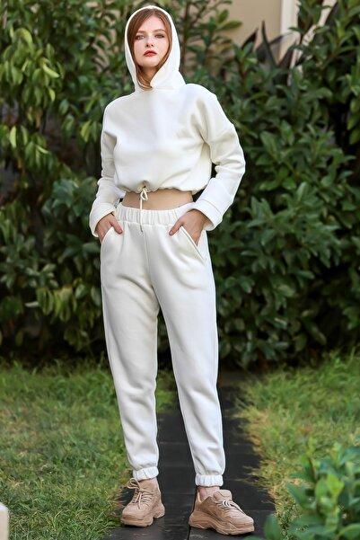 Chiccy Kadın Ekru Casual crop kapüşonlu sweat ve cepli şardonlu pantolon eşofman takım M10410000ES99961