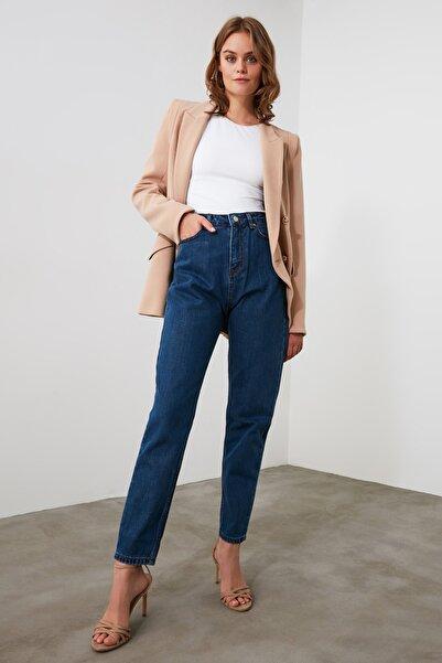 TRENDYOLMİLLA Mavi Yüksek Bel Mom Jeans TWOAW21JE0382
