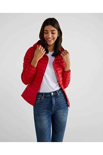 United Colors of Benetton Kadın Kırmızı Kaz Tüyü Dolgulu Şişme Mont