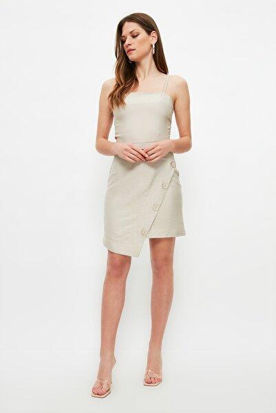 TRENDYOLMİLLA Taş Asimetrik Düğme Detaylı Elbise TWOSS21EL2651