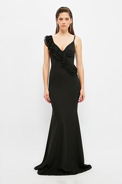 TRENDYOLMİLLA Siyah Volanlı Abiye & Mezuniyet Elbisesi TPRSS21AE0180