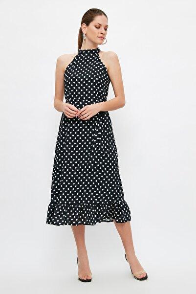 TRENDYOLMİLLA Çok Renkli Kuşaklı Puantiyeli Elbise TWOSS19YD0032