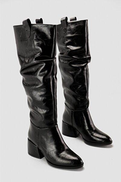 Limoya Kadın Siyah Parlak Kalın Topuklu Çizme