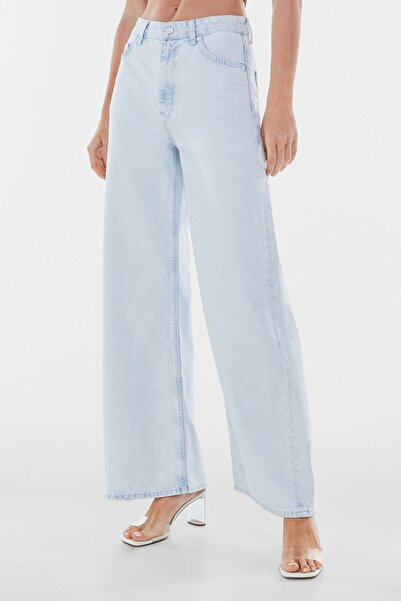 Bershka Kadın Açık Mavi Geniş Paça Jean