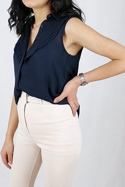 SARI BUTiK Kadın Sıfır Kol Şifon Kumaş Lacivert Bluz