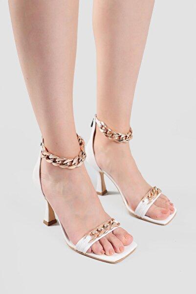 Limoya Kadın Beyaz Zincir Detaylı Topuklu Ayakkabı Hettie