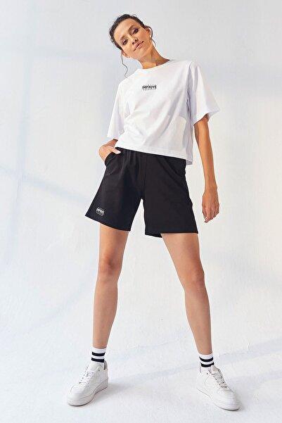 Tommy Life Tommylife Beyaz-siyah Kadın Küçük Yazı Baskılı Oversize Tshirt Şort Ikili Eşofman Takım - 95292