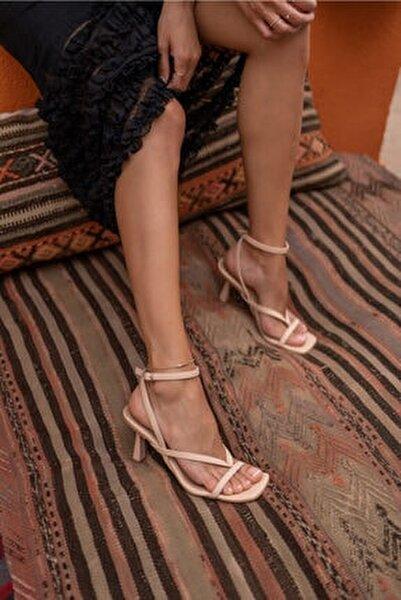 Boyence Bej Nude Kadin Topuklu Parmak Arasi Sandalet