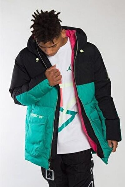 Nike Mont
