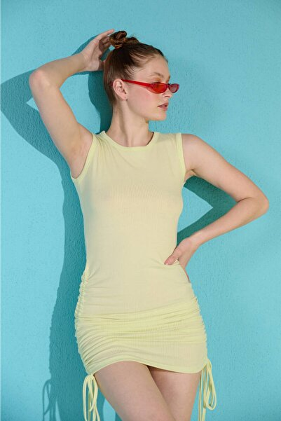 Zechka Açık Yeşil Kolsuz Yanları Büzgülü Kaşkorse Elbise