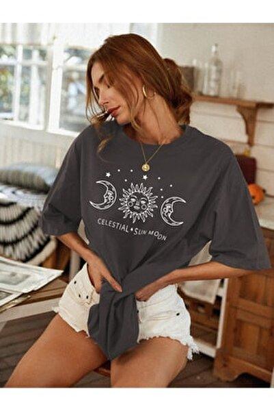 Kadın Antrasit Oversize Celestial Sun Moon Baskılı T-shirt