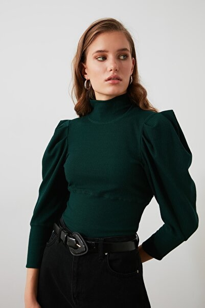 TRENDYOLMİLLA Zümrüt Yeşili Kolları Büzgü Detaylı Bakıkçı Yaka Fitilli Örme Bluz TWOAW20BZ0274