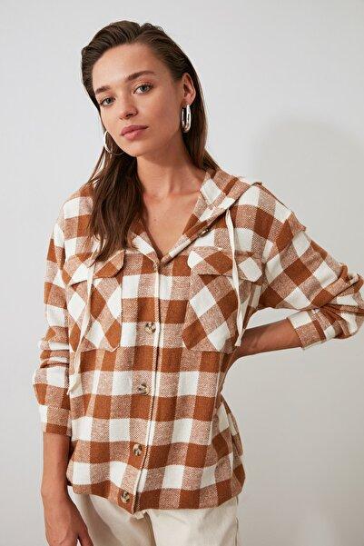 TRENDYOLMİLLA Kahverengi Oduncu Ekose Ceket Gömlek TWOAW21GO0158