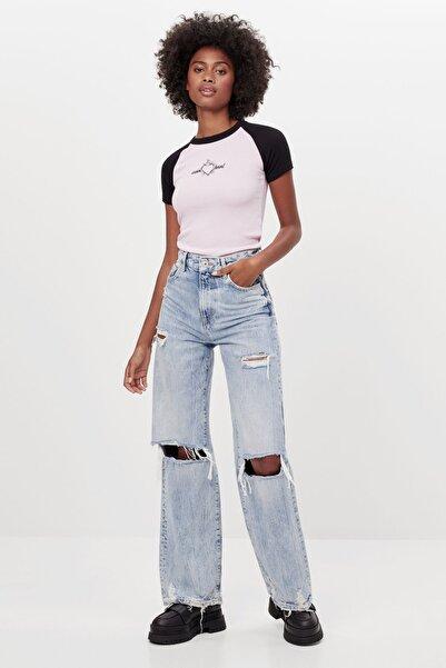 Bershka Kadın Mavi Distressed Detaylı 90'lar Model Jean