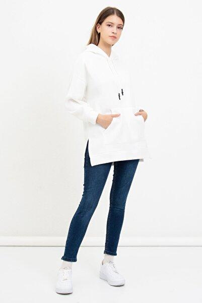 Mossta Kadın Beyaz Kanguru Cepli Kapüşonlu Sweatshirt